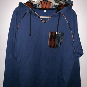 Men's blue pullover in blue indie accents
